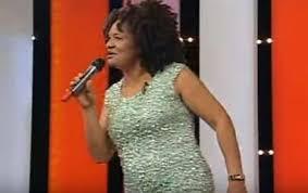 ... Social para a Projeção da Cultura guineense elegeu recentemente a  cantora Dulce Neves como melhor artista de 2016 enquanto que o Binham  Quimor ganhou o ... e5b97459fe