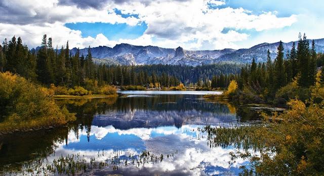 Cidade de Mammoth Lakes na Califórnia