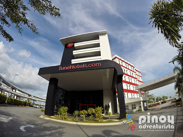 Manila (MNL-Ninoy Aquino Intl.) Hotels with Parking | Book