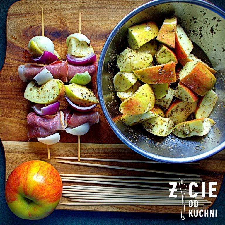 szaszłyki, watróbka, jablka, co na grill, danie z grilla, grillujemy, blog, zycie od kuchni