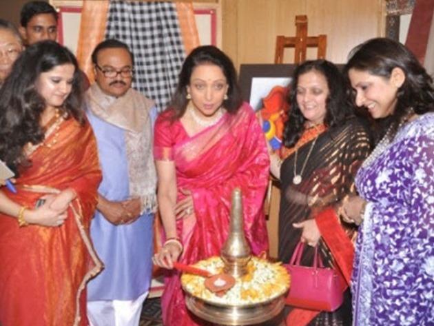 Padmashri Hema Malini inaugurates Art and Couture exhibition Sarvam Shashvatam