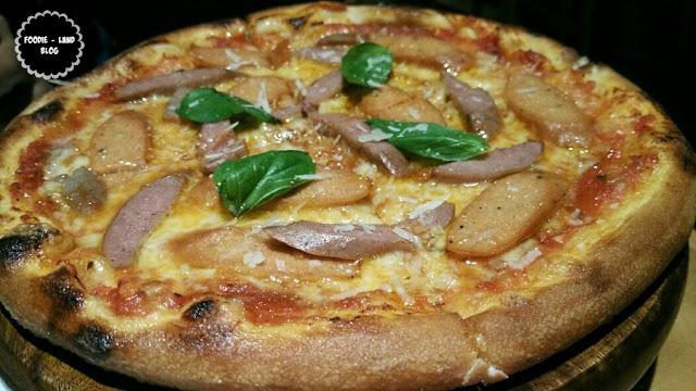 Italian Sausage Pizza@ Ministry of Pizza | Koramangala | Bangalore