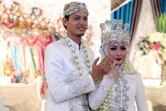 5 Pernikahan Artis Terpanas Tahun Ini
