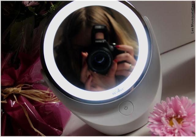KEALIVE - Miroir Lumineux - Blog beauté Les Mousquetettes©