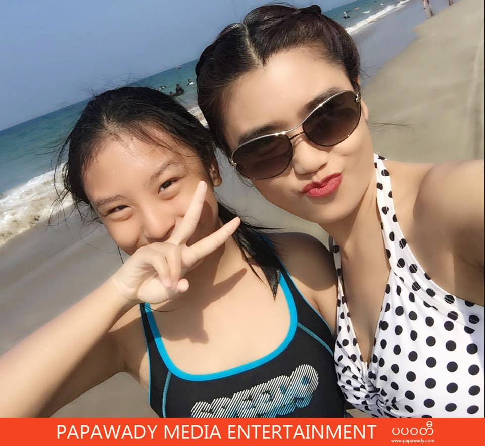 Beautiful Moment Pictures of Khine Thin Kyi and Her Daughter At The Beach