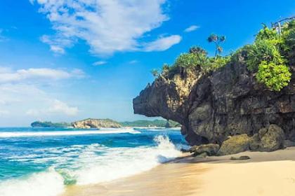 Pantai Indrayanti, Destinasi Wisata Populer di Yogyakakarta