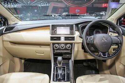 Interior Mitsubishi Xpander Tampak Dashboard