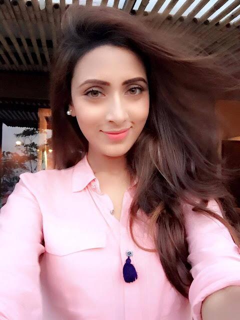 Bidya Sinha Saha Model New Sexy Selfie