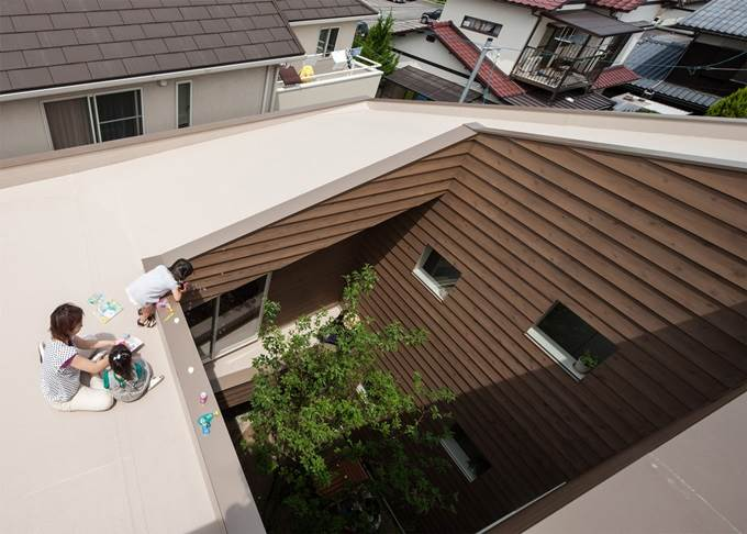 modern Japanese house with interior garden