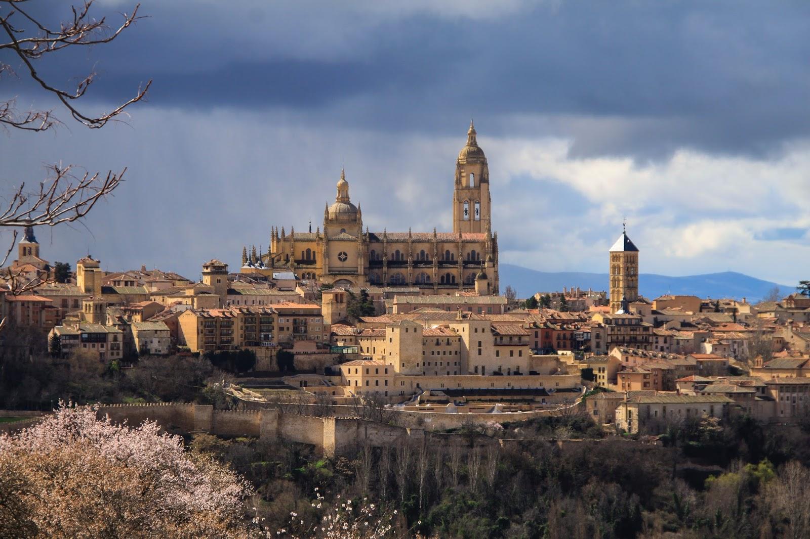 My family passport segovia con ni os actividades para for Segovia oficina de turismo