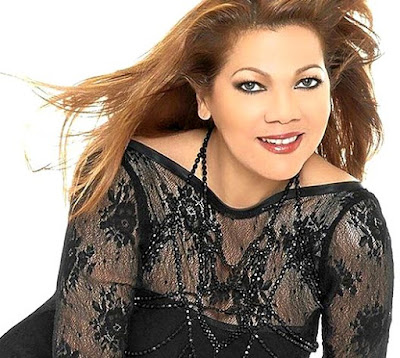 Foto de Angela Carrasco sonriendo