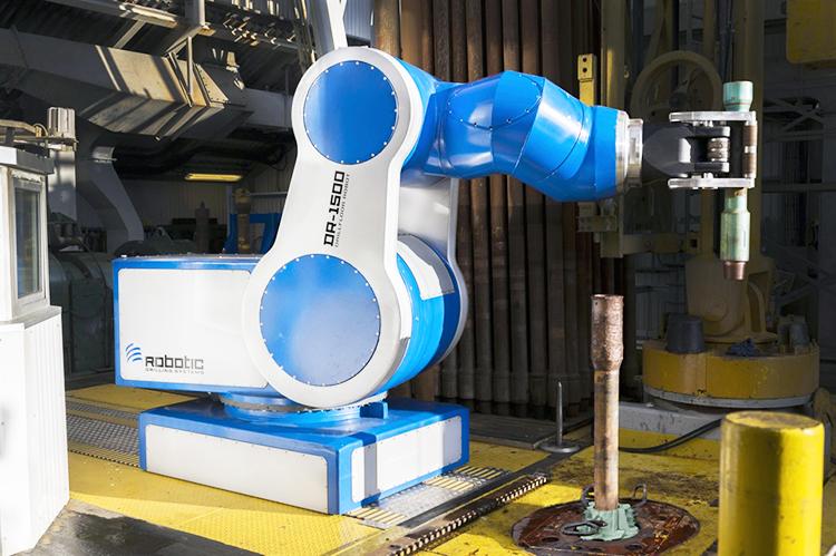 Drill-floor Robot DFR-1500, 7-автоматически управляемых осей с грузоподъёмностью – 1500 кг. Высокая точность позиционирования и система быстрой замены инструмента.