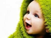 foto bayi imut tertawa