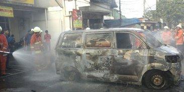 Mobil Pengangkut Uang ATM Terbakar, Rp 150 Juta Jadi Abu