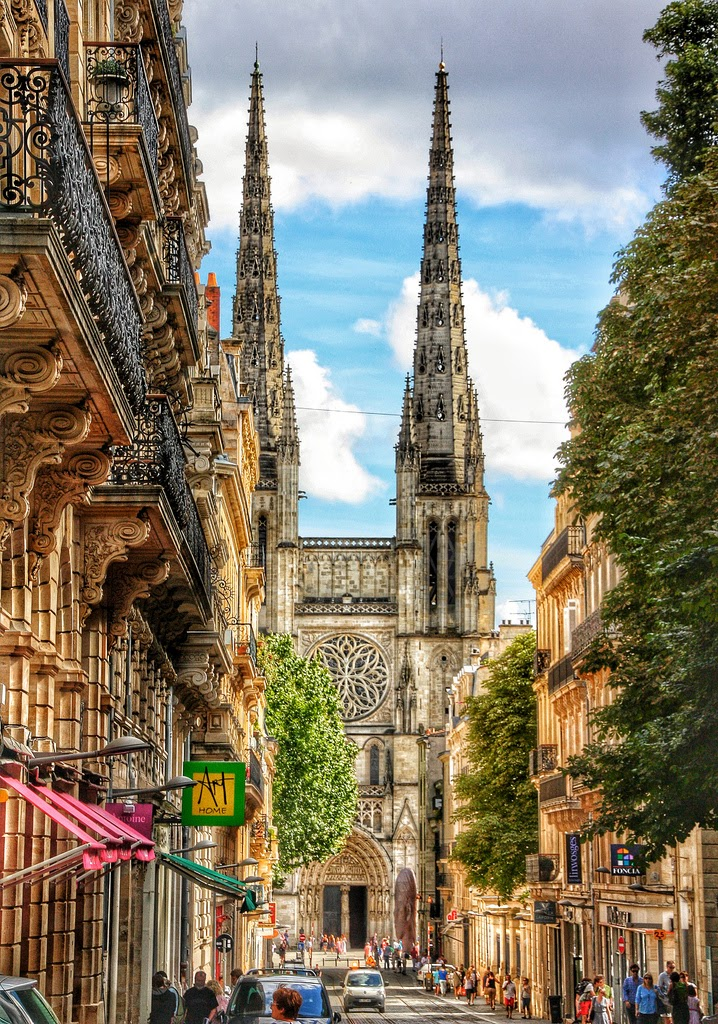 10 Hottest Summer Destinations In Europe | Bordeaux, France