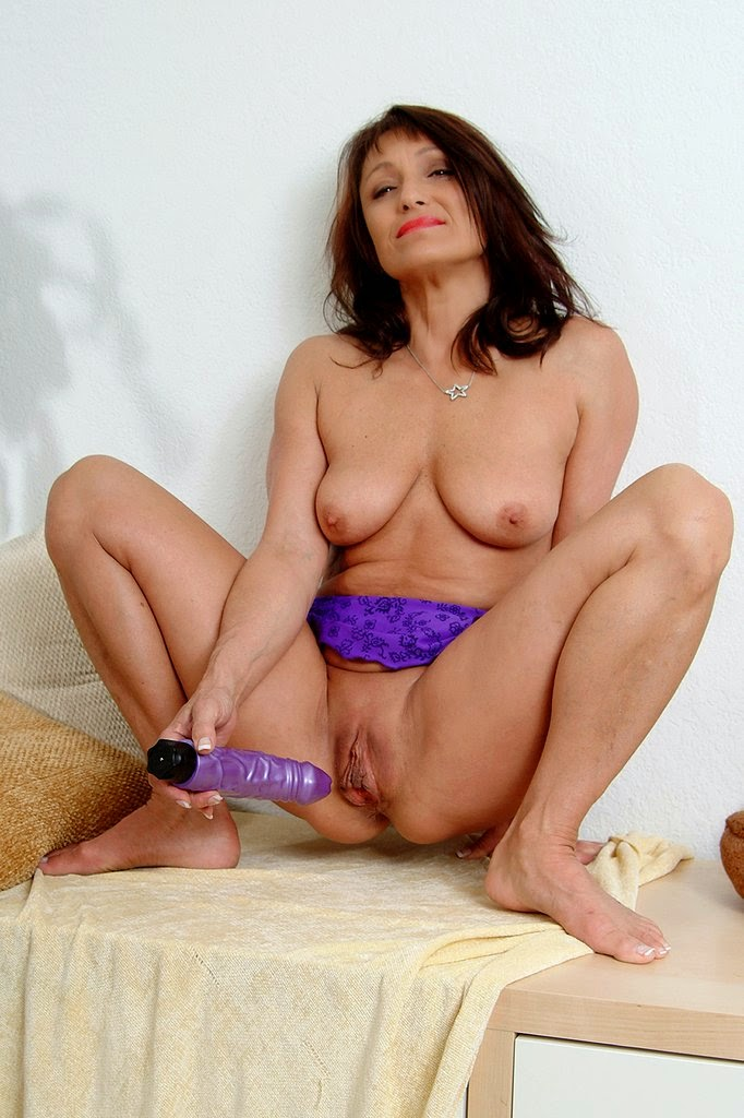 Slutty cali plays with not stepdaddy when mommys not around 7