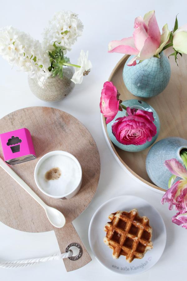 Frühlingshafte Gestaltungsideen Kaffeetisch Küche Interior,