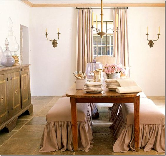 #pamelapierce designed omantic #FrenchCountry dining room with farmhouse decor and country style in a dining room on Hello Lovely Studio