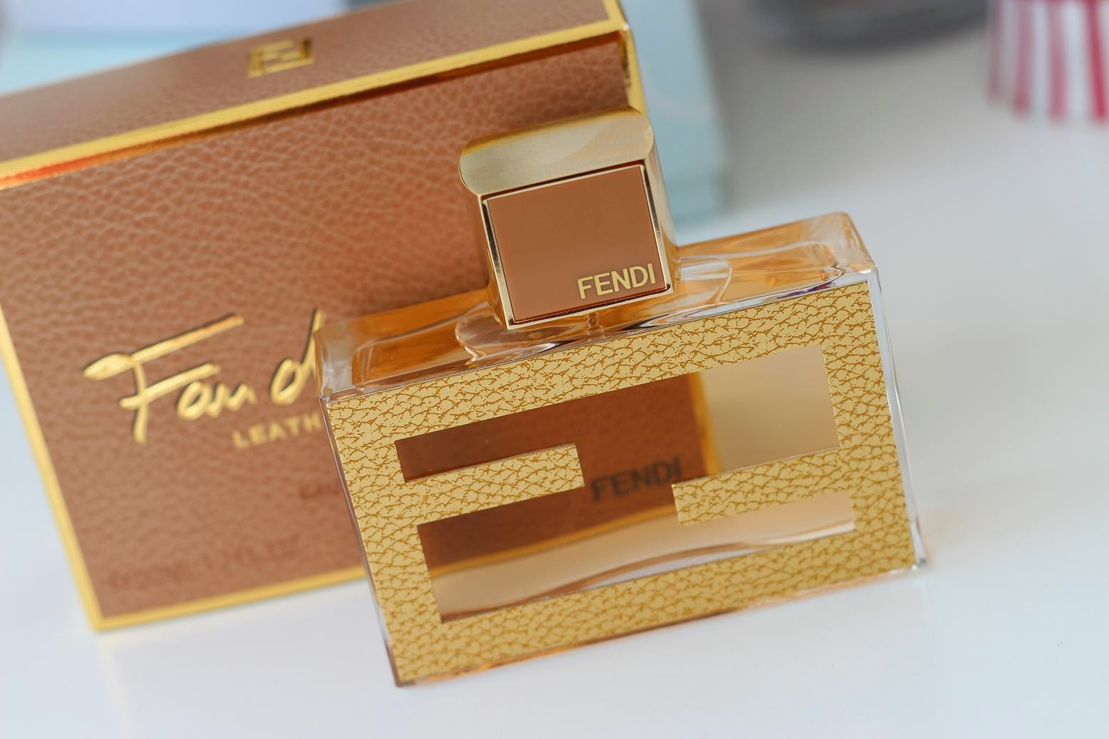 Fan di Fendi Leather Essence