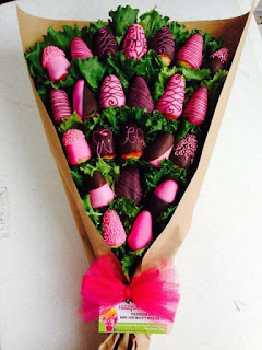 Ramo-de-fresas-cubierto-de-chocolates