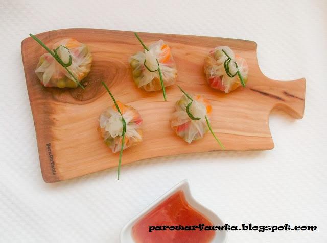 przepisy kuchni azjatyckiej , pierożki na parze