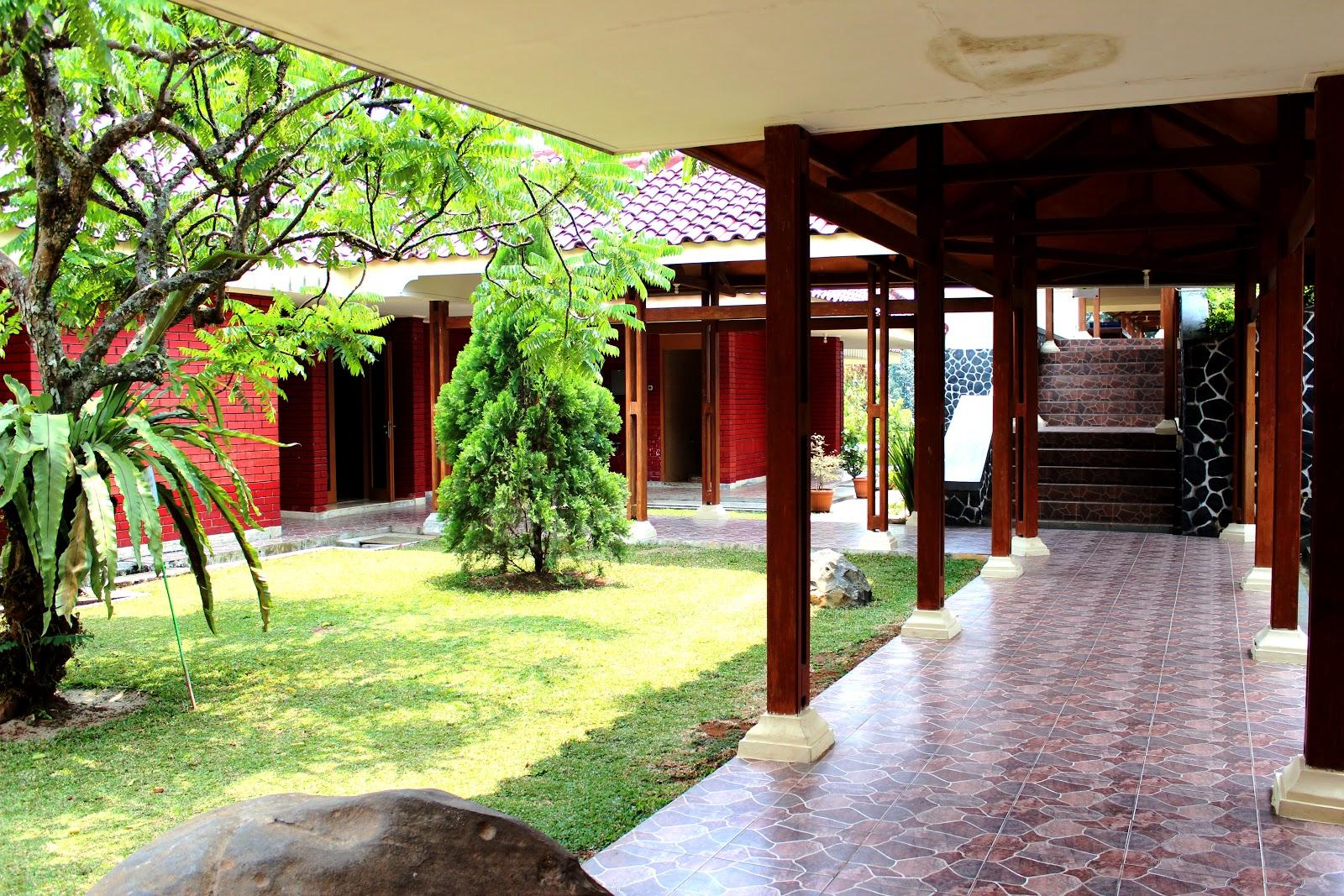 Villa-Bukit-Hambalang