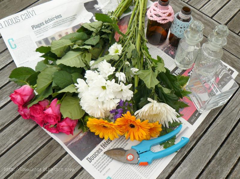 lamirose comment faire de jolies compositions florales avec des fleurs de supermarch. Black Bedroom Furniture Sets. Home Design Ideas