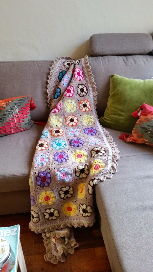Lovely Crochet and creative Life Boutique: Hexagon African Flower Blanket