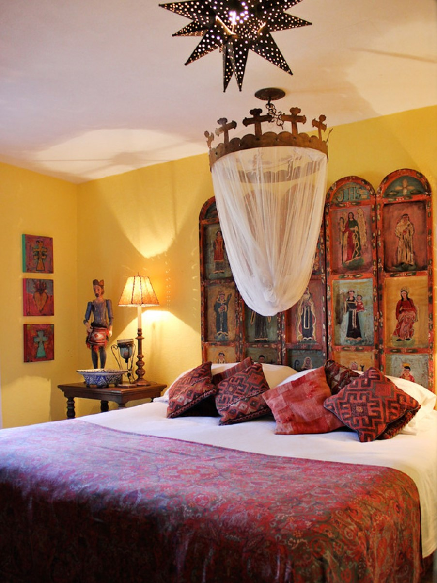 Eye for design decorating in old spanish colonial style for Decoration style colonial