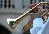 Alat Musik Tiup Modern dan Tradisional Beserta Gambarnya