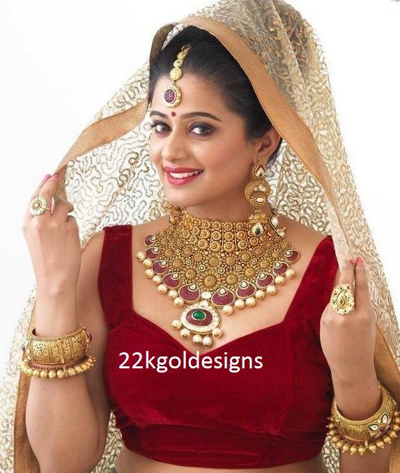 Priyamani in Bridal Antique Gold Jewellery