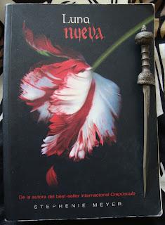 Portada del libro Luna nueva, de Stephenie Meyer