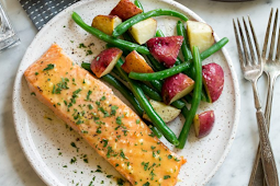 Baked Salmon with Buttery Honey Mustard Sauce #healthyfood #dietketo