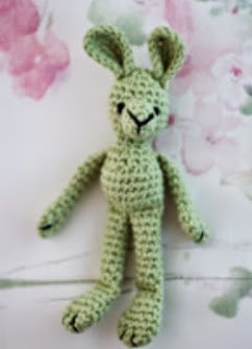 http://anniesgranny.com/wp-content/uploads/2015/01/Small-crochet-bunny-by-Annies-Granny-Design.pdf