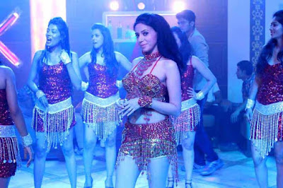 Rozlyn Khan, rozlyn in Savita Bhabhi avatar, Keep Distance song, Jee Lene Do Ek Pal, Rozlyn dances