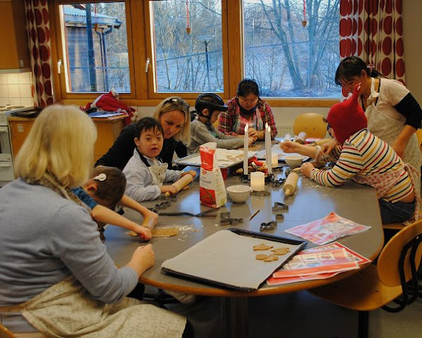 Crown Prince Haakon and Crown Princess Mette Marit visited the Haug School and Resource Centre in Bekkestua