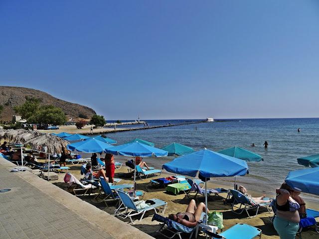 wąskie plaże na Krecie