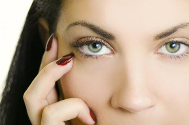 Los cinco tratamientos naturales para el crecimiento de tus pestañas