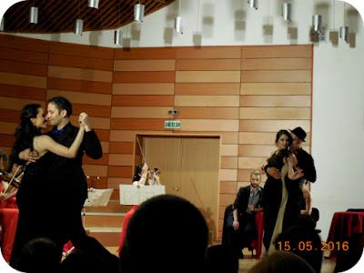 Tango si teatru cu zambetul pe buze