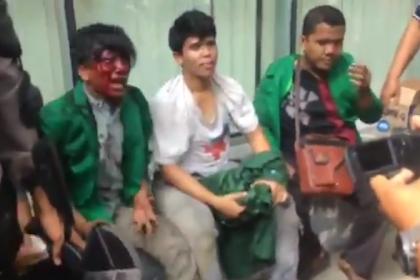 Innalillah, Brutal! Mahasiswa Pengkritik Jokowi Babak Belur Dihajar Polisi