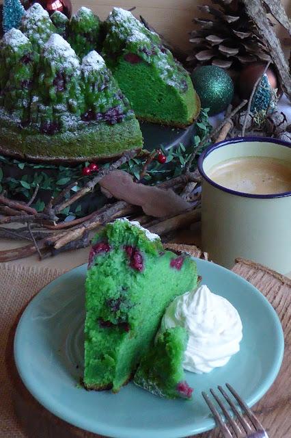 https://alf-lachefa.blogspot.com.es/2015/12/bundt-cake-de-menta-y-frambuesas.html