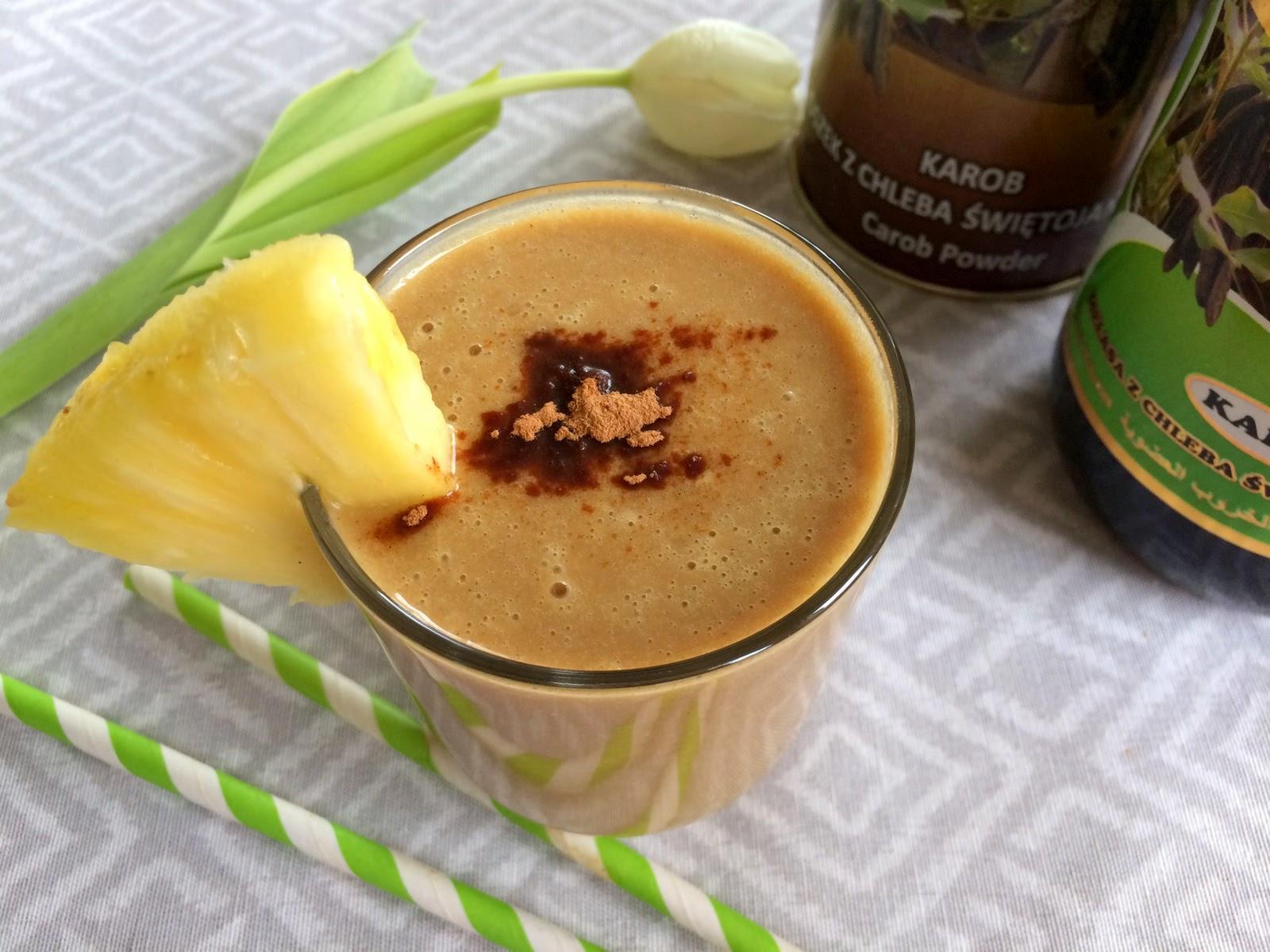 http://zielonekoktajle.blogspot.com/2015/04/karob-ananas-mleko-kokosowe.html