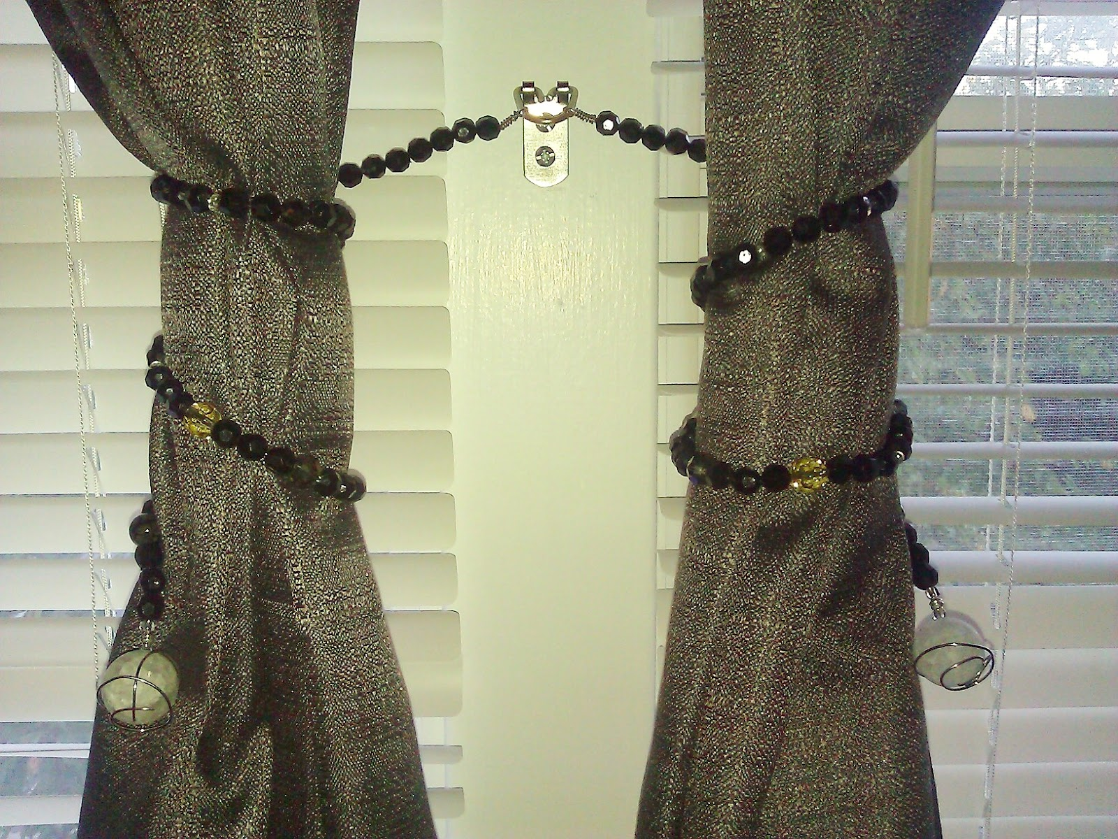 Inspired And Quot On The Cheap Quot Diy Beaded Wire Curtain Tie Backs