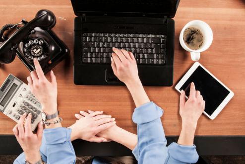 Jangan Membiasakan Multitasking Saat Mengurua Keuangan