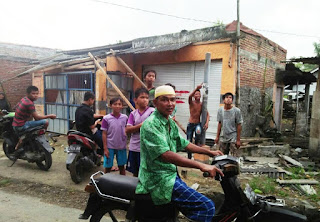 Ditiup 15 Menit, Rumah Warga Dua Dusun Ambruk