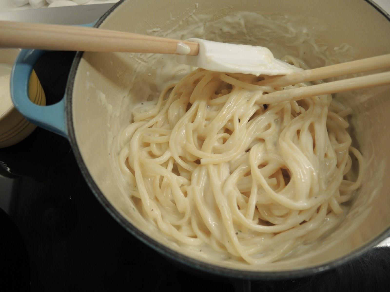 好心情廚房: 白汁煙三文魚扁意粉 Linguine with Smoke Salmon and Cream Sauce