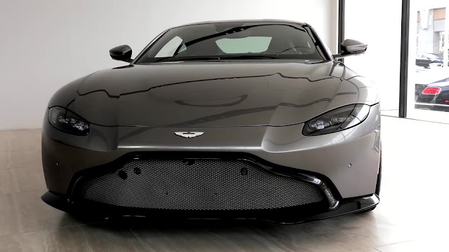 First Look At The 2019 Aston Martin Vantage 2