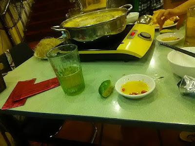 ベトナムの鳥鍋