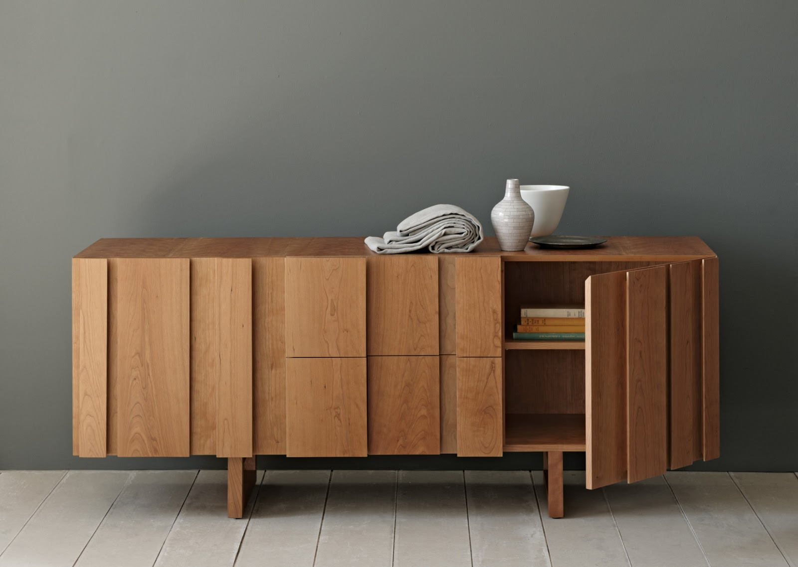 Pinch design sideboard