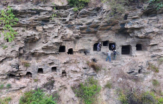 37 ancient rock tombs discovered in Central China